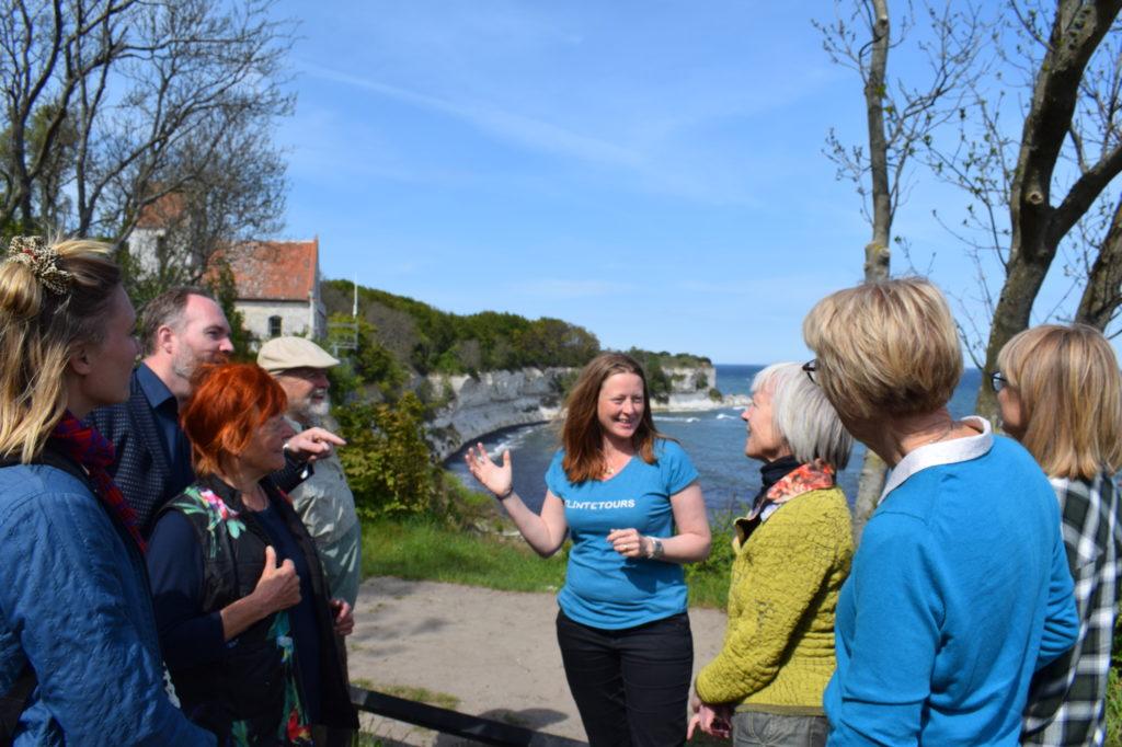 Anne Rosell Holt fortæller om fiskeler, som har gjort Stevns Klint til UNESCO verdensarv